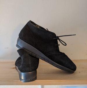 Woman's Chuka boots